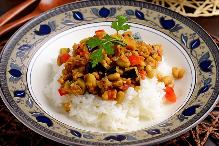 野菜と大豆とくるみで作るドライカレー