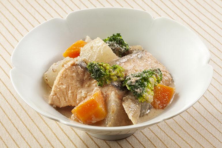 鮭と野菜のくるみみそ煮